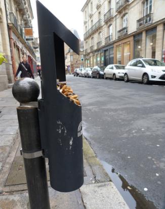 Effet positif de la cigarette électronique : le nettoyage des rues!